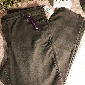 New size 20W Amanda jeans stretch denim dark wash
